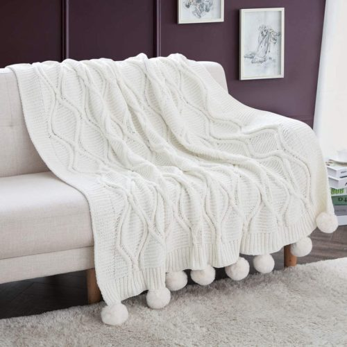 12. Revdomfly Chenille Knitted Throw Blanket