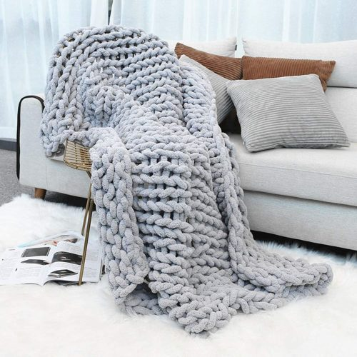 6. Inshere Chunky Knit Throw Blanket